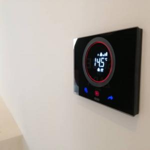Thermo Ice ترموستات ترموستات هوشمند لمسی fc03e84b dd1a 4cf5 a51b dea402bd96b0 300x300
